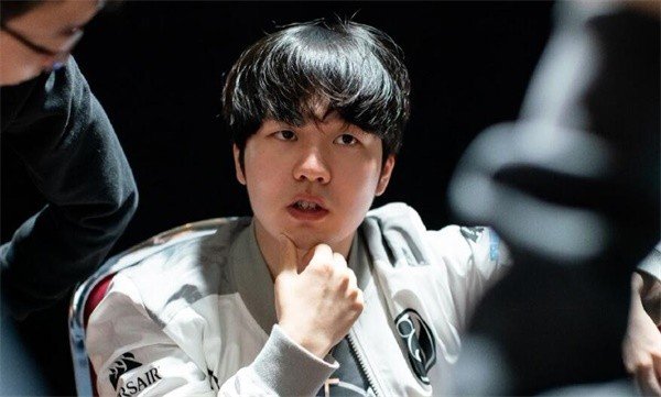 S8决赛:IG上演复仇之战 Rookie战法王Caps