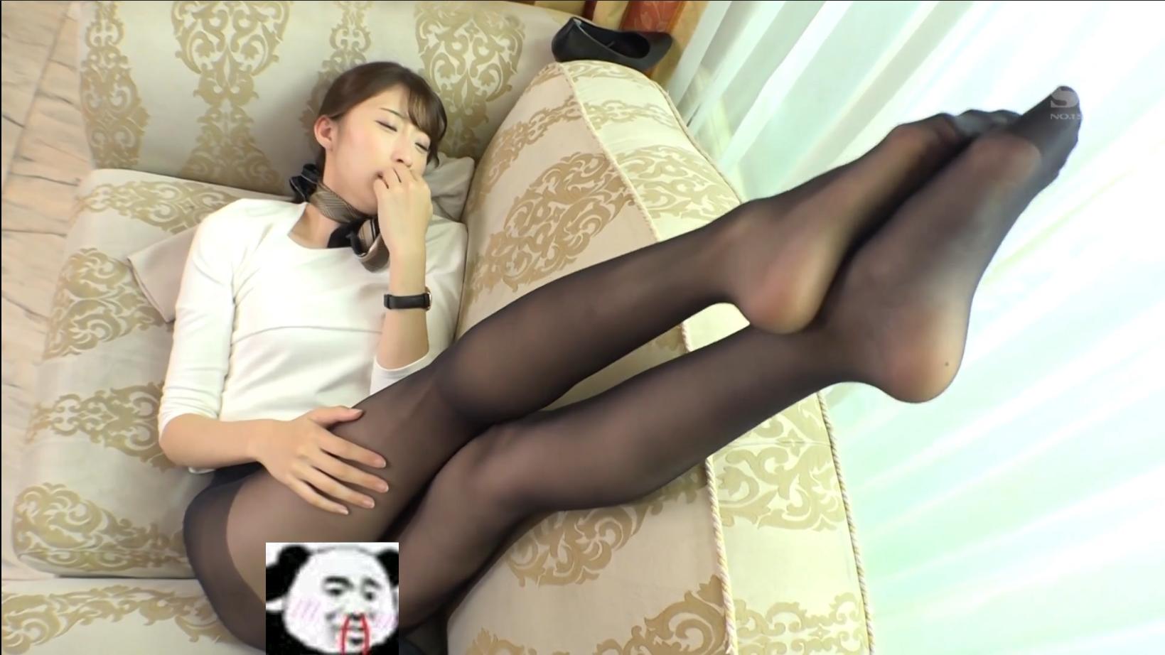因为前台姐姐腿太长 我让我的女友爪巴了