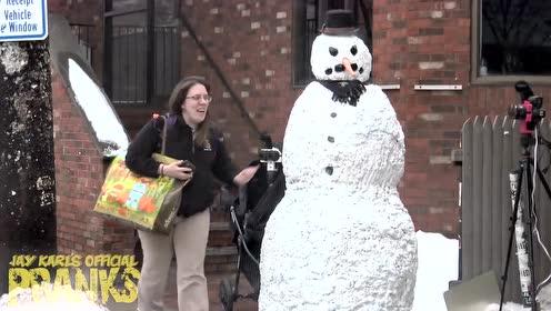 恐怖雪人再次突袭,吓死宝宝了