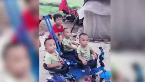 哥哥姐姐放学带三胞胎弟弟玩,一家五个宝宝厉害了