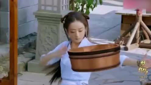 她被杨幂相中,被说是赵丽颖的接班人,看来又是娱乐圈一匹黑马!