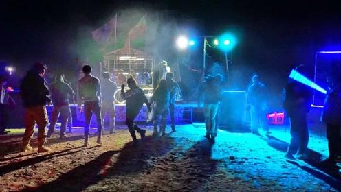 昆仑山的一场魔幻现实主义狂欢节,让你在无人区蹦迪撒野