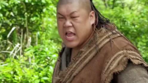 罗士信与裴元庆比力气,把两个人都震的后退,实在吓人!