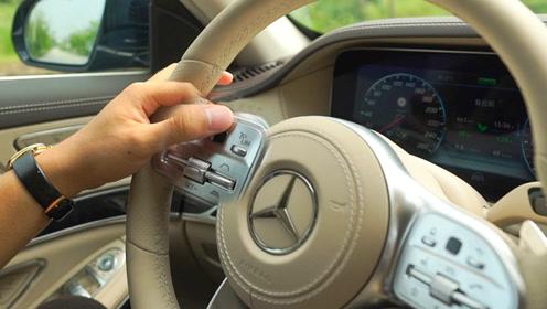 """为什么奔驰S级的司机总爱""""揉搓""""方向盘上的小黑点?"""