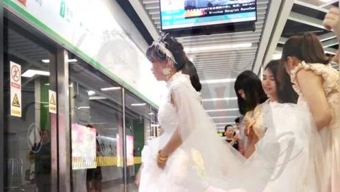 广西新人坐地铁接亲:不塞车还省钱