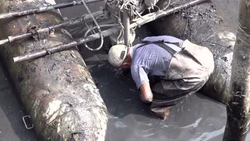 脏死了!但是他们为了河道清洁,什么都不怕!