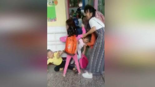 幼儿园开学第一天盛况,心疼老师一分钟