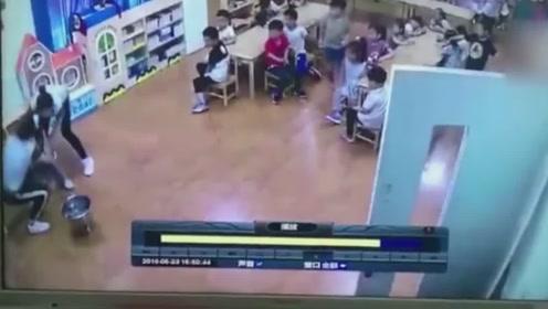 女老师提开水桶过大厅男孩一头撞上致大面积烫伤