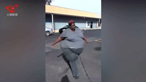 567斤重妇女为更长久陪伴女儿 励志减肥狂甩肥肉