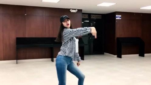 想要追喜欢的女孩,跟国外小姐姐学舞蹈《I LIKE IT》绝