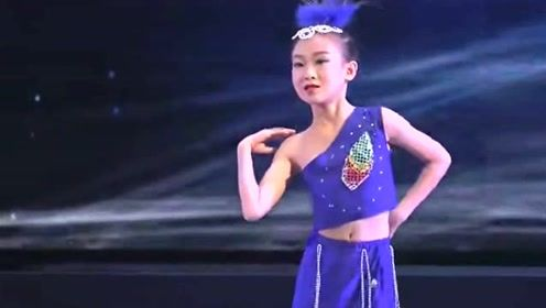 优秀的少儿傣族舞蹈《彩云之南》