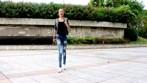 鬼步舞《妹妹不哭》舞蹈潇洒,青春时尚,简单易学,一起来跳舞吧