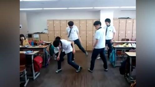 韩国高中生在教室跳舞一夜爆红