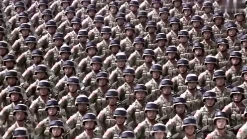 """胜利日大阅兵:""""攻坚英雄连""""英模部队向我们走来"""