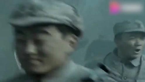 """独立团挑衅鬼子,鬼子气的喊""""八嘎"""",直接3600颗手榴弹轰炸鬼子"""