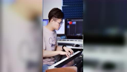 《我曾》文武贝钢琴即兴演奏