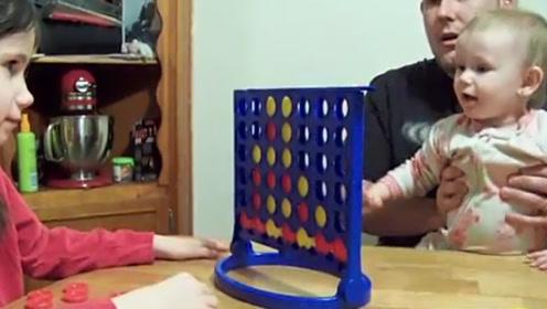 相差4岁的姐弟俩下棋,小弟弟竟然赢了,天才小棋童!