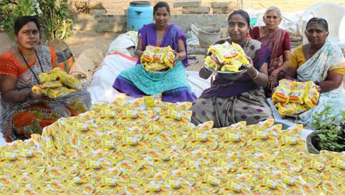 印度妇女怎么做面条?光是制作过程就让人恐慌,看完更是难以下咽