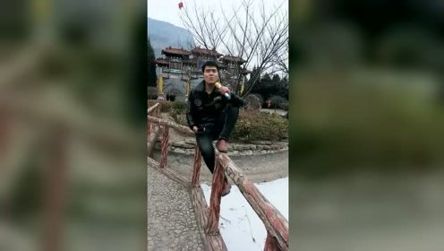 隔壁村的小刘,一张嘴别人就知道他是做什么工作的