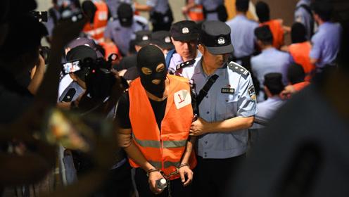 """众多女性遭遇""""杀猪盘""""式骗局,警方从缅甸抓回19名""""高富帅"""""""