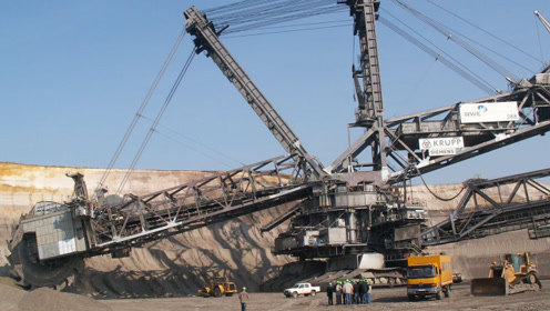 德国钢铁巨兽挖掘机,造价将近7亿,一天就能挖平日本富士山!