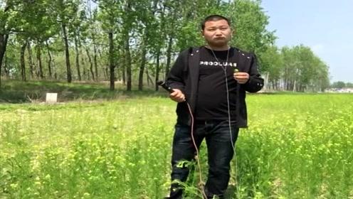 农民歌手一首《哥是农村人》最近网上非常火爆,直接火了