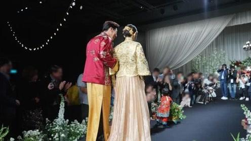 秋瓷炫婚礼儿子首次露面:一岁的他推学步车走路模样萌爆了