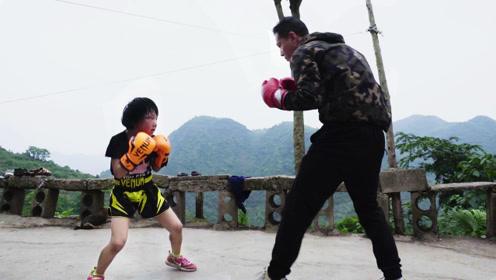 虎爸教8岁女儿打拳击火爆全网,引发拳王邹市明徐灿关注