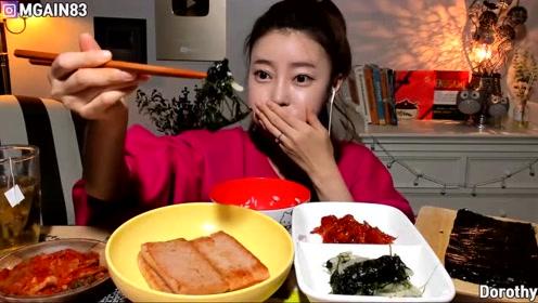 韩国小姐姐吃播七鲜辣蟹,要流口水了
