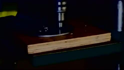 老外做磨砂机过程!听声音就知道是极品!