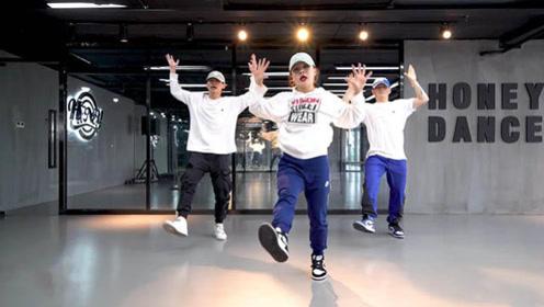 cammi-chunv_小姐姐酷帅开舞!舞蹈实力不输韩国女团
