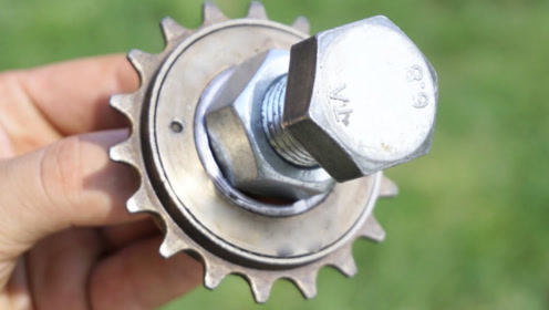 自行车链轮可以变成扳手吗?这自制小发明太有创意了