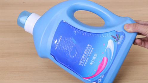 洗衣液瓶子我从来不扔,简单一改造放卫生间,全家人抢着用