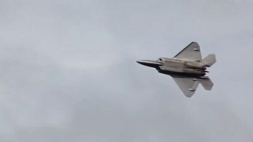 实拍F-22猛禽战斗机玩花式飞行展示,这才叫牛气冲天