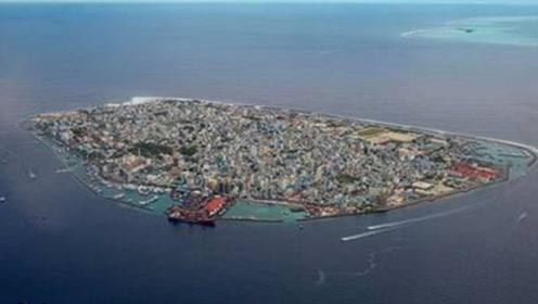 海上出现一个小岛,比日本都大,原来是垃圾组成的