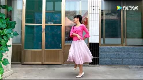 乡村广场舞《经典老歌》!