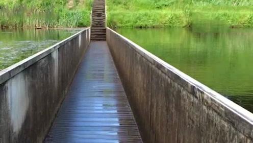 世界上最乌龙的桥,建工师傅把图纸拿反了,完工后被人称奇