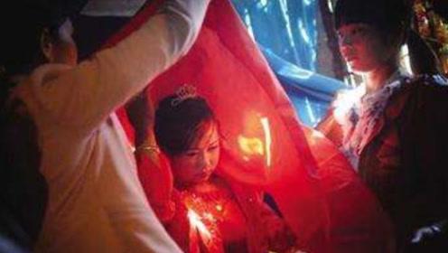 在这个国家,女性13岁就要结婚?当地美女说出心里话