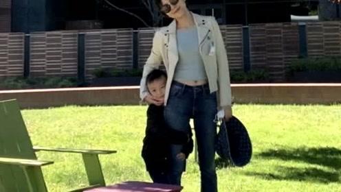 杨乐乐懒理汪涵怼人风波,送4岁儿子美国上夏校,大赞其适应能力