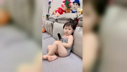 宝宝,你这肚子里鼓鼓囊囊的是什么?