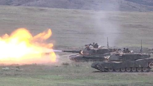 """坦克""""钻地术""""?美军M1A2坦克在俄邻国演练战场躲避炮击"""