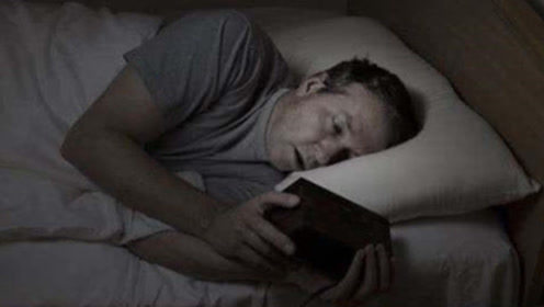 晚上超过几点睡觉,才算是熬夜呢?答案绝不是你想的那样