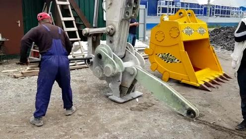 挖掘机大铲子安装,原来这么复杂啊