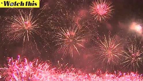 莫斯科举办世界最大国际烟花节 烟花亮天空绚烂无比美到窒息