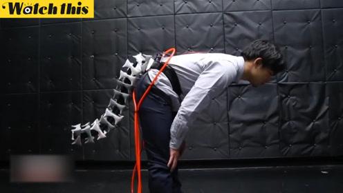 """日本科学家造""""机器尾巴"""" 或将助老人站稳不摔倒"""