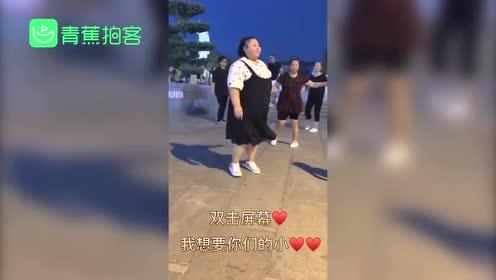 """290斤胖妞跳广场舞减30斤收获爱情 舞姿曼妙被称""""灵活胖子"""