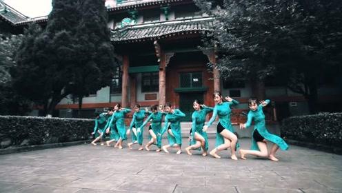 中国舞《甘夫人大乐舞》,一颦一笑都透露着优雅气息!
