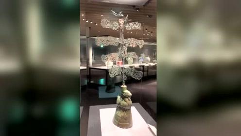 日本东京国立博物馆,出土自四川的飞鸟青铜树