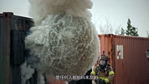 消防员工作有多危险?老外模拟实验,不愧是我们心中的英雄