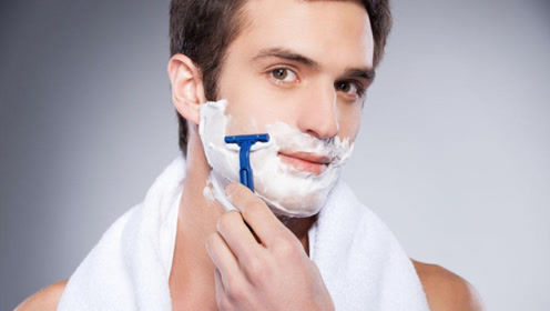 最不适合男人刮胡子的四个时间,专家:会影响寿命的